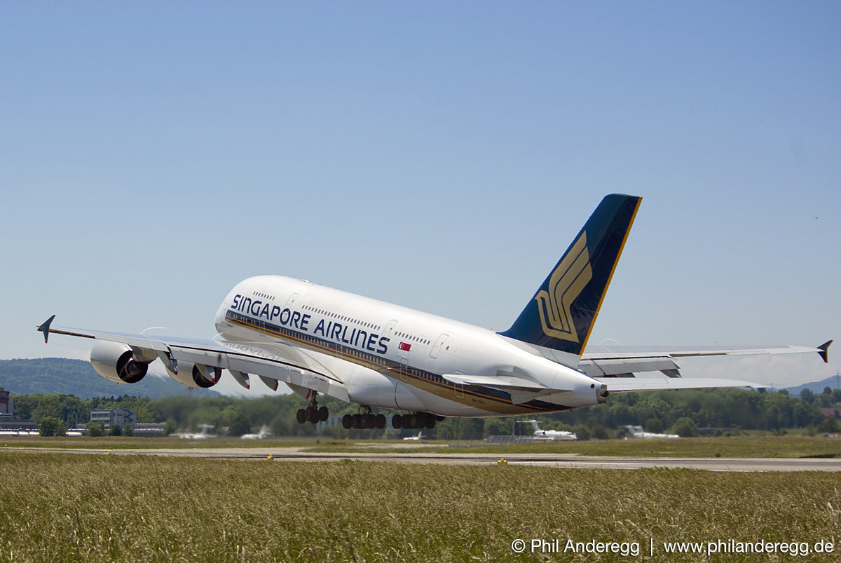 Singapore Airlines<br>A380